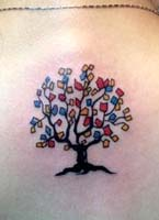 七彩小树纹身图案