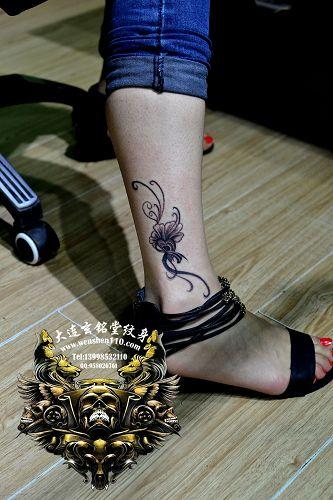 [热门]女人纹脚脖纹身图案
